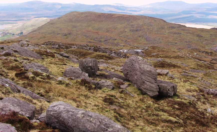 MountainViews.ie Picture about mountain An Bhinn Láir in area Dunkerron Mountains, Ireland