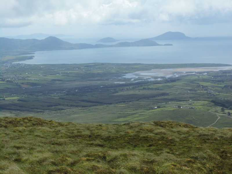 MountainViews.ie Picture about mountain Foilclogh (<i>Faill an Locha</i>) in area Iveragh NW, Ireland