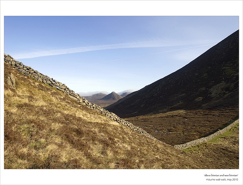 MountainViews.ie Picture about mountain Wee Binnian in area Mourne Mountains, Ireland