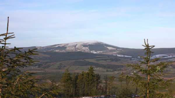 MountainViews.ie Picture about mountain Slieve Felim in area Shannon, Ireland