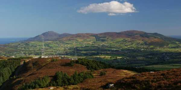 MountainViews.ie Picture about mountain Camlough Mountain (<i>Sliabh gCuircín</i>) in area Gullion, Ireland
