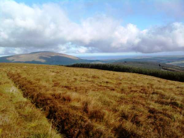 MountainViews.ie Picture about mountain Croaghan (<i>Cruachán</i>) in area Antrim Hills, Ireland
