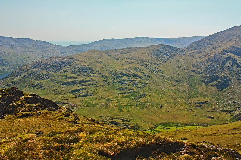 MountainViews.ie Picture about mountain Tooreenbaha (<i>Tuairín Beatha</i>) in area Caha Mountains, Ireland