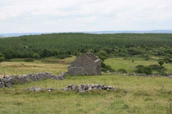 MountainViews.ie Picture about mountain Clomantagh Hill in area South Midlands, Ireland