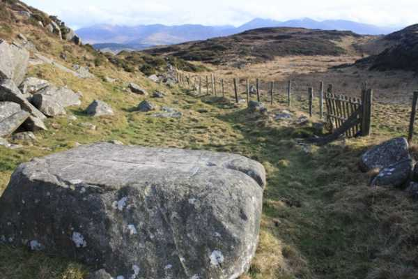 MountainViews.ie Picture about mountain Slievenalargy (<i>Sliabh na Leargadh</i>) in area Mourne Mountains, Ireland