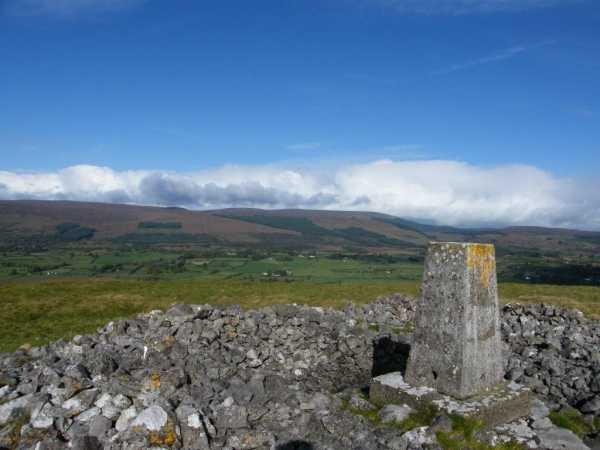 MountainViews.ie Picture about mountain Knocknashee (<i>Cnoc na Sí</i>) in area Ox Mountains, Ireland