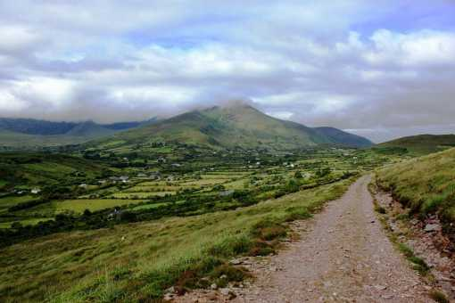 MountainViews.ie Picture about mountain Curra Hill in area Glenbeigh Horseshoe, Ireland