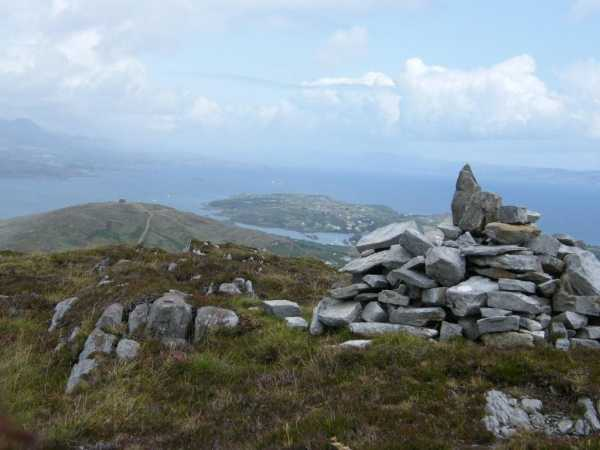 MountainViews.ie Picture about mountain Knockanallig in area Caha Mountains, Ireland