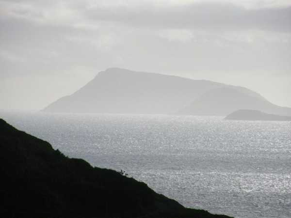 MountainViews.ie Picture about mountain Scarriff Island in area Dunkerron Mountains, Ireland