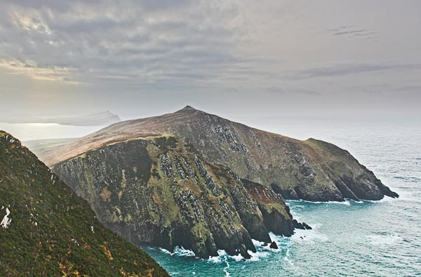 MountainViews.ie Picture about mountain Ceann Bhaile Dháith in area Dingle West, Ireland