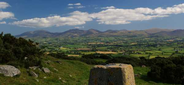 MountainViews.ie Picture about mountain Knockiveagh in area Mourne Mountains, Ireland