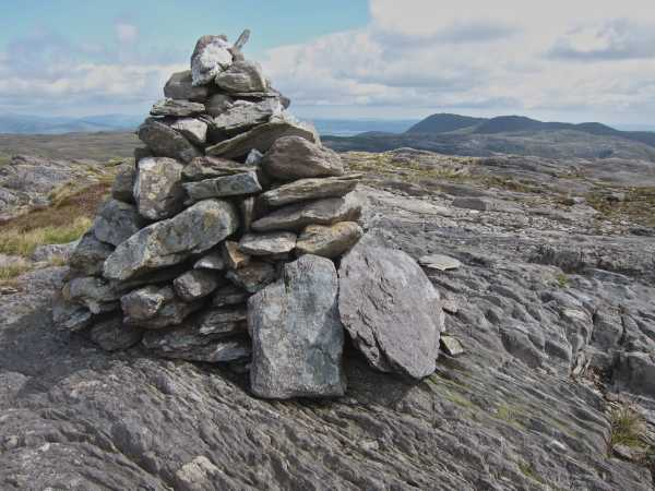 MountainViews.ie Picture about mountain Knockeirky in area Caha Mountains, Ireland
