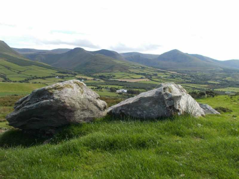 MountainViews.ie Picture about mountain Fearann Dealúígh in area Central Dingle, Ireland
