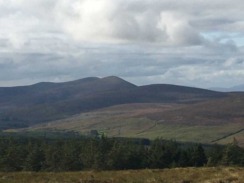 MountainViews.ie Picture about mountain Mullaghanish North-East Top (<i>Mullach an Ois (mullach thoir thuaidh)</i>) in area Paps/Derrynasaggart, Ireland