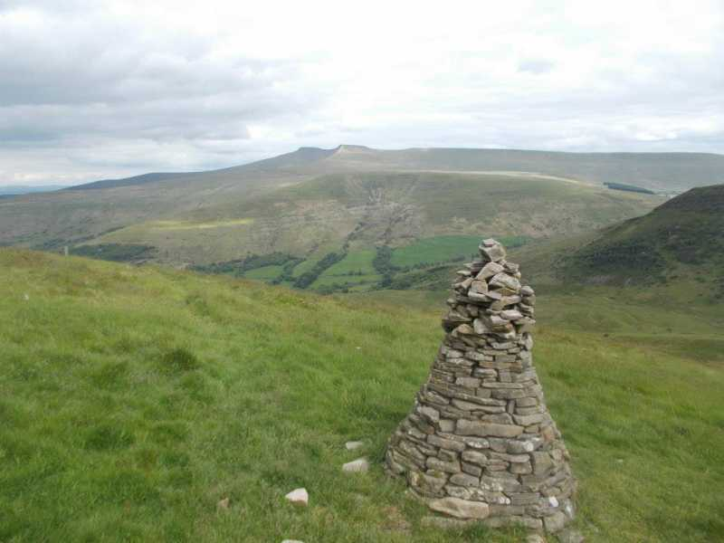 MountainViews.ie Picture about mountain Fan Frynych  in area Llandovery to Monmouth, Ireland
