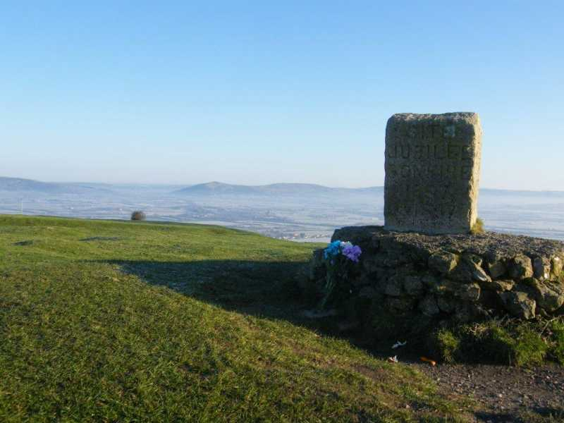 MountainViews.ie Picture about mountain Brent Knoll in area South Central England, Ireland