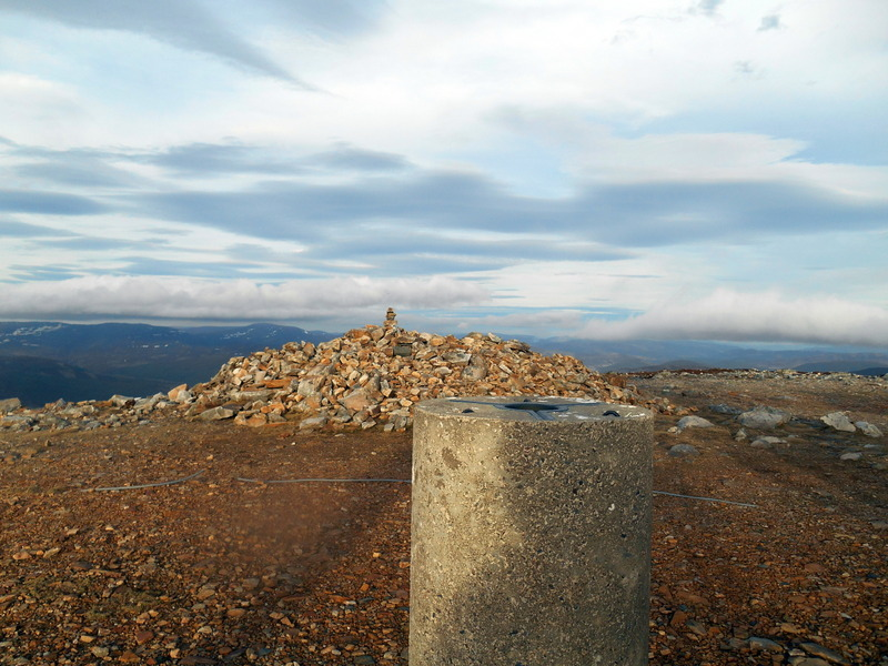 MountainViews.ie Picture about mountain Morrone in area Pitlochry to Braemar and Blairgowrie, Ireland