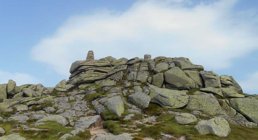 MountainViews.ie Picture about mountain Lochnagar - Cac Carn Beag in area Braemar to Montrose, Ireland