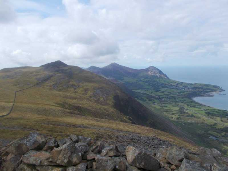 MountainViews.ie Picture about mountain Gyrn Goch  in area Anglesey and the Lleyn Peninsula, Ireland