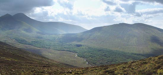 MountainViews.ie Picture about mountain Knockastakeen in area Galty Mountains, Ireland