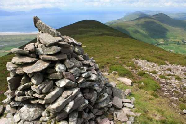 MountainViews.ie Picture about mountain Cnoc na Stuaice in area Slieve Mish, Ireland