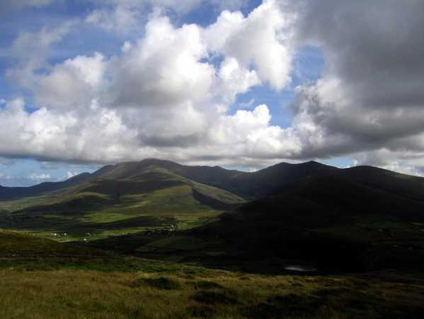 MountainViews.ie Picture about mountain Rinn Chonaill in area Dingle West, Ireland