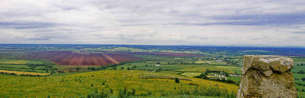 MountainViews.ie Picture about mountain Croghan Hill in area North Midlands, Ireland